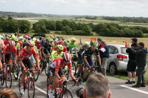 first riders leading the Peloton
